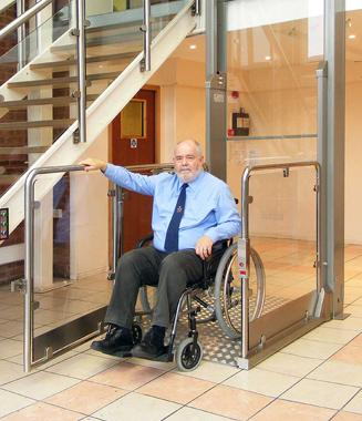 Solteva elevaci n sillas salvaescaleras elevadores for Sillas para escaleras minusvalidos
