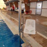 Grúa de piscina Ayuntamiento de Marbella