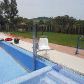 Grúa de piscina en Alcalá de los Gazules