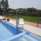 Grúa de piscina en Piscina Pública de Alcalá de los Gazules
